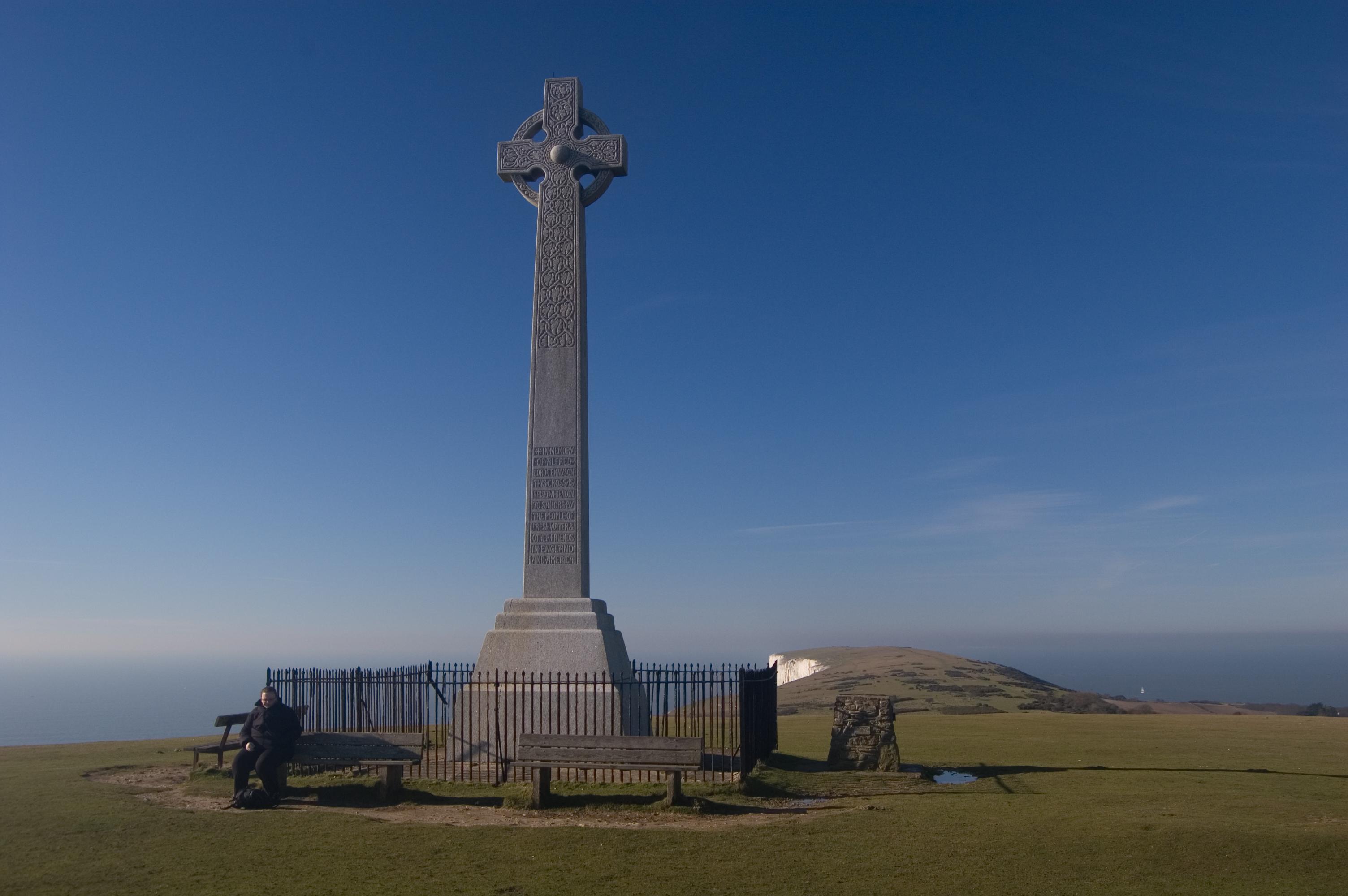 tennyson monument freshwater down